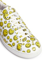 笑脸图案真皮球鞋