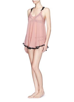模特儿示范图 - 点击放大 - FLEUR DU MAL - 'Babydoll' lace trim silk chiffon mini slip