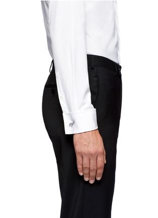 模特儿示范图 - 点击放大 - TATEOSSIAN - 山羊造型袖扣