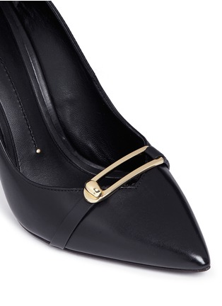 Detail View - Click To Enlarge - Stella Luna - Turnlock bar leather pumps
