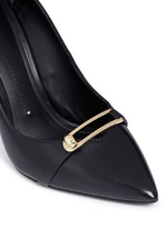 Turnlock bar leather pumps