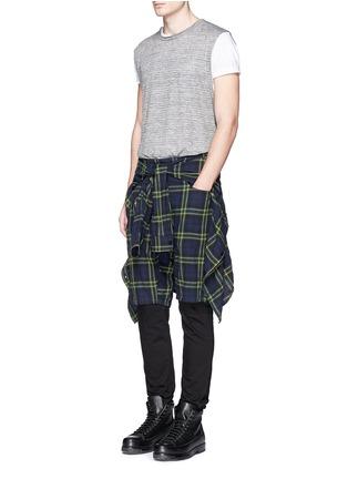 模特儿示范图 - 点击放大 - R13 - CORNELL格纹衬衫短裤套装
