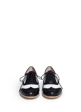 Figure View - Click To Enlarge - Stuart Weitzman - Dandyperf perforated brogue shoes