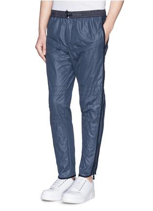 正面 -点击放大 - MONCLER GRENOBLE - 网眼绗逢尼龙运动长裤