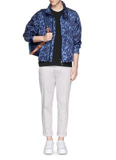 Moncler Grenoble 豹纹尼龙拉链外套