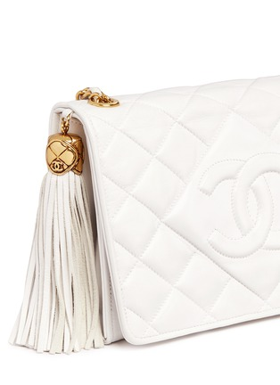 - Vintage Chanel - Chunky tassel charm quilted leather flap bag