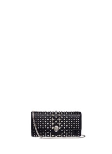 Alexander McQueenSkull charm stud leather chain continental wallet