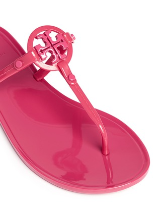 Detail View - Click To Enlarge - Tory Burch - ''Colori' logo jelly thong sandals