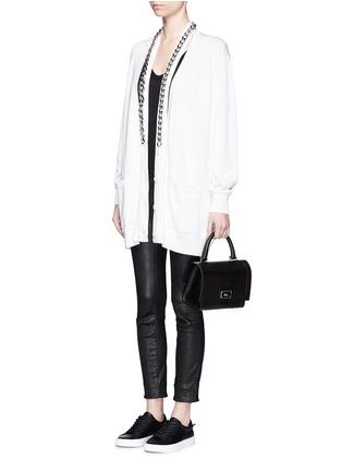 模特儿示范图 - 点击放大 - GIVENCHY - 链条搭带混棉针织长外套