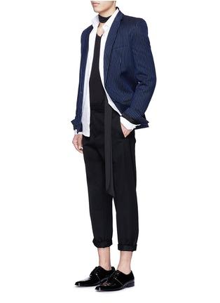 模特儿示范图 - 点击放大 - HAIDER ACKERMANN - 拼色竖纹混棉西服外套