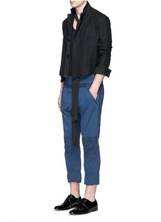 模特儿示范图 - 点击放大 - HAIDER ACKERMANN - 不修边裤脚纯棉九分裤