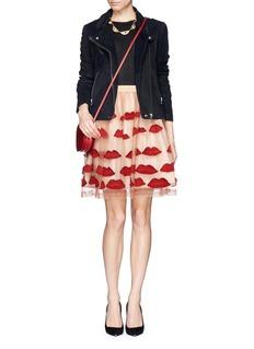 ALICE + OLIVIA'Pout' lip appliqué skirt