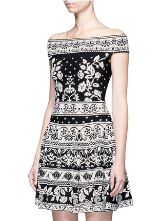 Front View - Click To Enlarge - Alexander McQueen - Floral jacquard knit off-shoulder top
