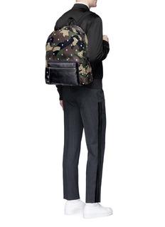 Alexander McQueenSkull camouflage print backpack