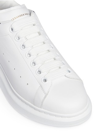 Detail View - Click To Enlarge - Alexander McQueen - Chunky outsole suede collar leather sneakers