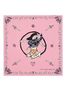 ALEXANDER MCQUEENCIRCUS GIRLS盘蛇女性图案真丝围巾