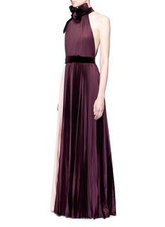 Roksanda'Wykeham' oversized velvet ribbon pleated halterneck gown