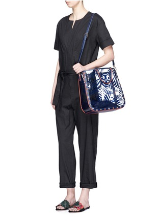 Front View - Click To Enlarge - Tory Burch - 'Marguerite' palm leaf print plastic tote