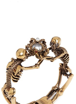 Detail View - Click To Enlarge - Alexander McQueen - Skeleton faux pearl crown cuff