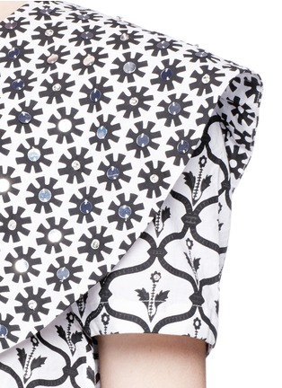 Detail View - Click To Enlarge - Temperley London - 'Lizette' cape detail tie front cropped shirt