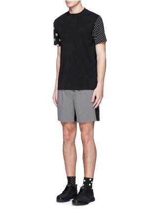 模特儿示范图 - 点击放大 - ICNY - 反光波点混棉T恤