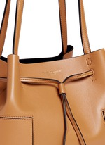 Block-T' leather bucket tote