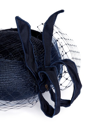Detail View - Click To Enlarge - Piers Atkinson - Crin veil flying bow straw percher hat