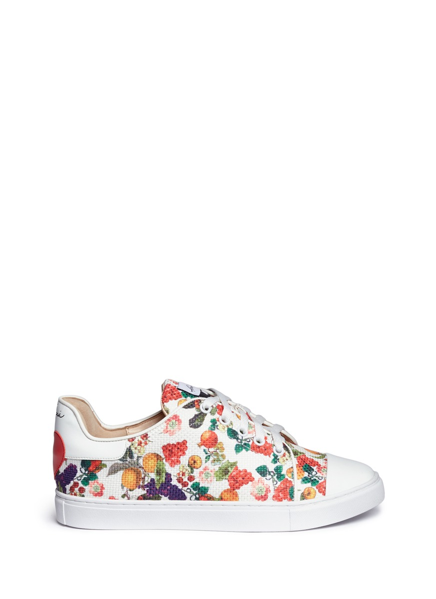 Caelan heart patch fruit print sneakers by Isa Tapia