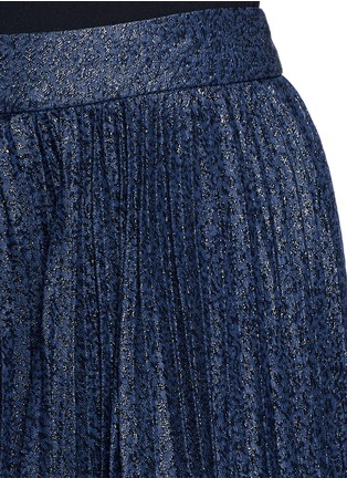 Detail View - Click To Enlarge - alice + olivia - 'Katz' metallic jacquard pleated midi skirt