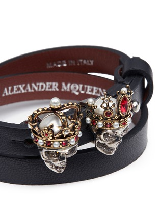 Detail View - Click To Enlarge - Alexander McQueen - King and Queen skull double wrap leather bracelet