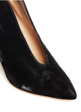 Detail View - Click To Enlarge - Gianvito Rossi - V-throat velvet booties