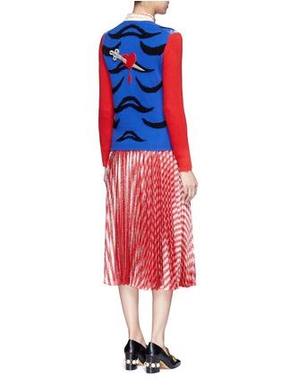 模特儿示范图 - 点击放大 - GUCCI - 老虎提花羊毛针织衫