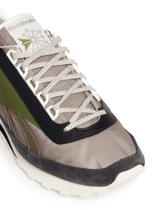Detail View - Click To Enlarge - Reebok - 'Aztec WL' running sneakers