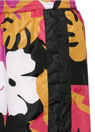 Detail View - Click To Enlarge - Dsquared2 - Hawaiian floral print shorts