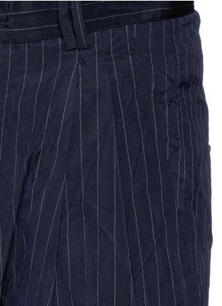 细节 - 点击放大 - SONG FOR THE MUTE - 褶裥设计竖纹皱面短裤