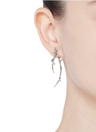 Figure View - Click To Enlarge - Heting - 'Dewdrop' diamond 18k white gold twig earrings