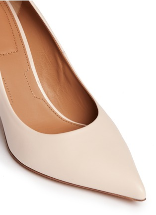 Detail View - Click To Enlarge - Givenchy - Metal bar leather pumps