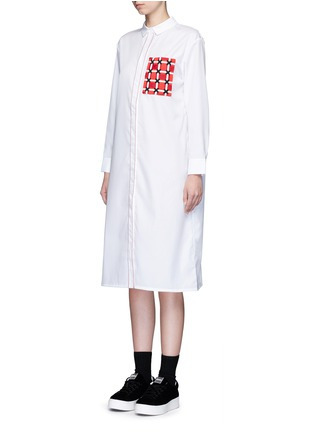 Front View - Click To Enlarge - Cynthia & Xiao - Woven ribbon pocket long cotton shirt dress