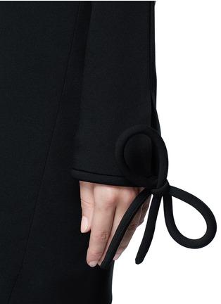 Detail View - Click To Enlarge - Balenciaga - Bow cuff silk cady dress