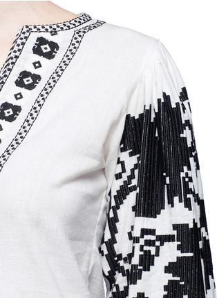 Detail View - Click To Enlarge - Talitha - 'Salma' tribal grapevine embroidered peasant blouse