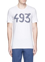 '493' print cotton T-shirt