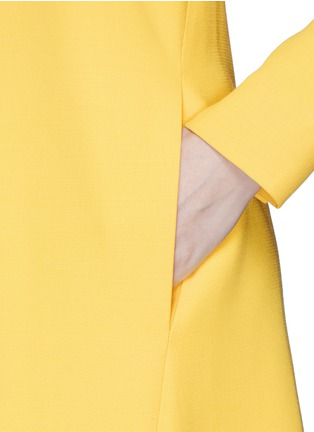 Detail View - Click To Enlarge - Victoria Beckham - Open bow back double crepe shift dress