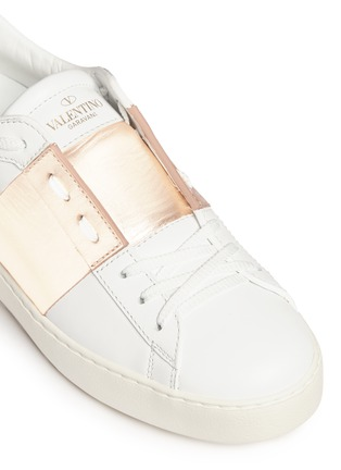 Detail View - Click To Enlarge - Valentino - 'Rockstud Open' metallic panel leather sneakers