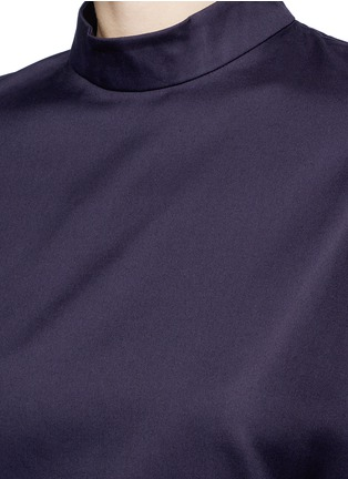 Detail View - Click To Enlarge - FFIXXED STUDIOS - 'Meiyijia' raw edged cotton poplin shirt