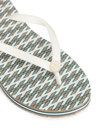 Detail View - Click To Enlarge - Tory Burch - 'Thin' Ravenna print flip flops