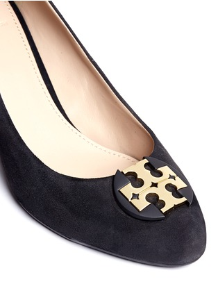 Detail View - Click To Enlarge - Tory Burch - 'Luna' metal logo suede wedge pumps
