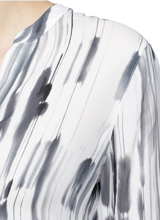 Detail View - Click To Enlarge - Vince - 'Cascade' ink print silk georgette shirt