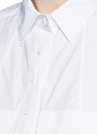 Detail View - Click To Enlarge - Alaïa - Pocket cropped poplin shirt