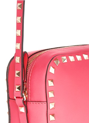 Detail View - Click To Enlarge - Valentino - 'Rockstud' leather Camera Bag