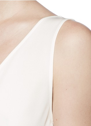Detail View - Click To Enlarge - Theory - 'Narcyz' V-neck silk shell top